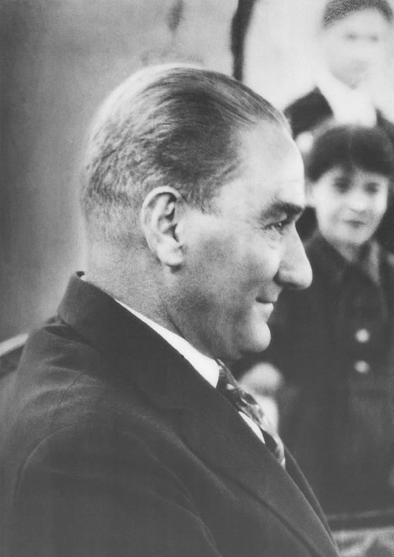 Atatürk Tebessüm
