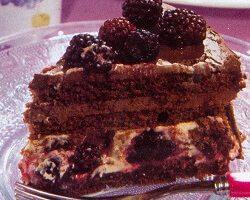 Böğürtenli Pasta Tarifi
