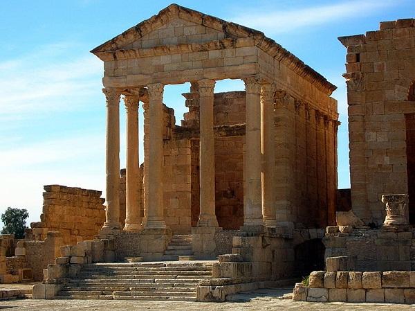 Minerva için yapılmış bir tapınak