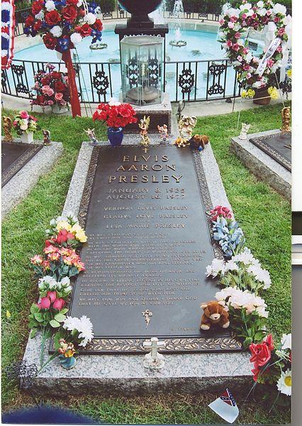 Elvis Presley Mezarı
