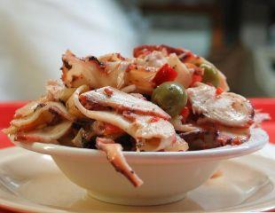 Ahtapot Salatası