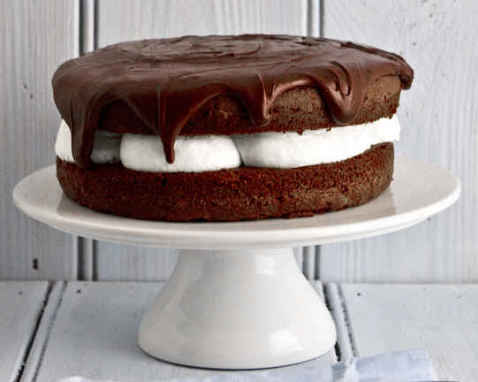 Çikolatalı Doğumgünü Pastası Tarifi