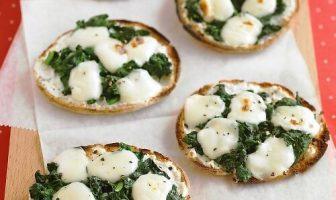 Mini Ispanaklı Peynirli Pizzalar