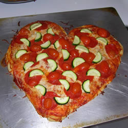 Sevgiliye Kalp Pizza Tarifi - (Vejetaryan)