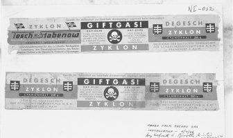 """Dachau toplama kampından Zyklon etiketleri Nürnberg mahkemelerinde kanıt olarak kullanıldı. Birinci ve üçüncü paneller üretici bilgilerini ve marka adını içerir. Orta panelde """"Zehirli Gaz! Siyanür hazırlama sadece eğitimli personel tarafından açılacak ve kullanılacaktır"""" yazmaktadır. (Kaynak : wikipedia.org)"""
