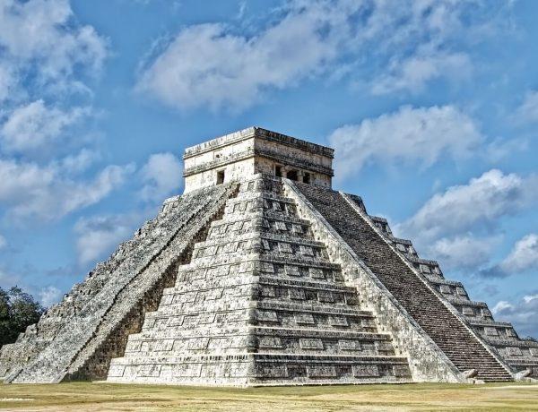 Chichen Itzá : Meksika'da yer Alan Efsanevi Maya Şehri Hakkında Bilgiler