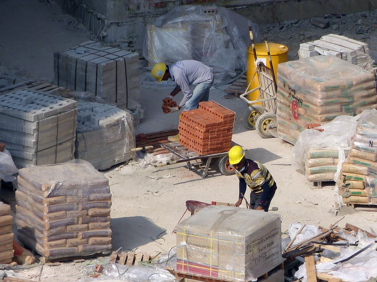 İnşaatların vazgeçilmezi çimento torbaları