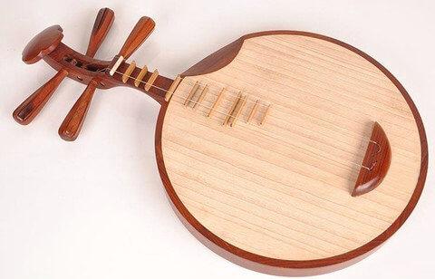 Ay Gitarı (Yueqin)