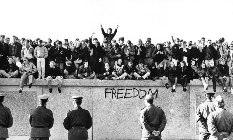 Berlin Duvarının Yıkılması