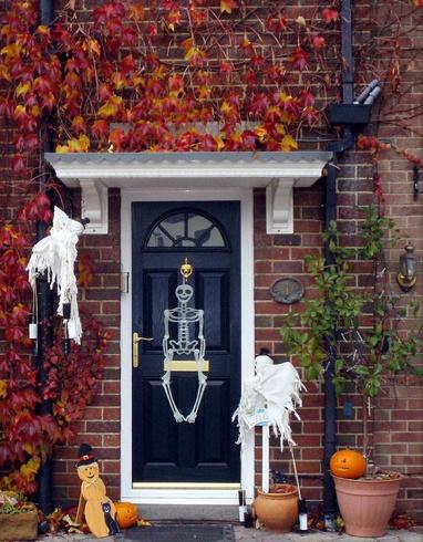Cadılar Bayramı kapı dekorasyonu