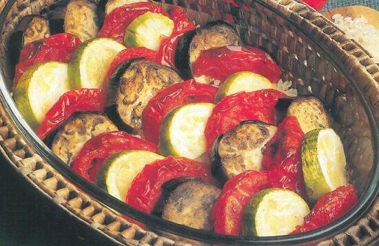 Fırında Yaz Sebzeleri Tarifi