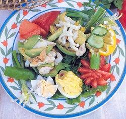 Avakadolu Deniz Mahsulleri Salatası Tarifi