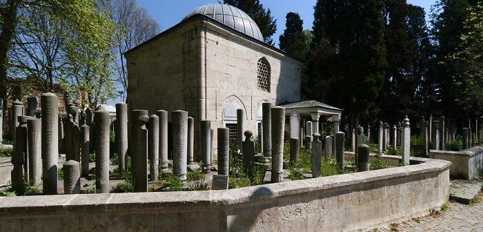 Ahmet Feridun Paşa Türbesi