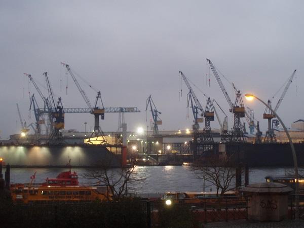 Hamburg Limanı Avrupa'nın en büyük 2. limanıdır. - Almanya