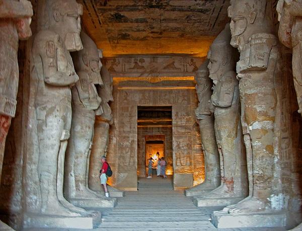 Ebu Simbel Tapınağı