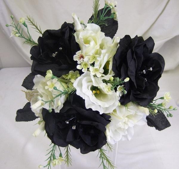 Siyah ve Beyaz Çiçekler