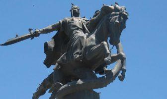 Manas Destanı Anıtı - Bişkek