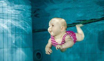 Yüzen Bebek