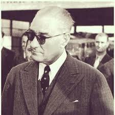 Atatürk'ün Gözlüklü Fotoğrafları