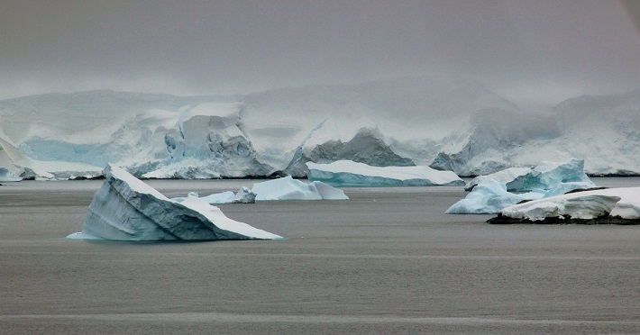 Antarktika'da Iceberg