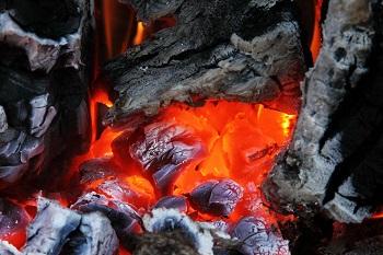 Sobuda yanan taş kömürünün bizi ısıtması ışınım yolu ile olur: Ateşten çıkan sıcaklık havaya yayılır, çevresindeki her şeyi ısıtır. Güneşin ısıtması da ışınım yolu ile olan bir ısıtmadır.