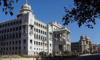 Bangalore'de Vidhana Saudha (meclis binası)