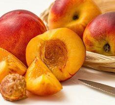 Şeftali Nasıl Bir Meyvedir? Şeftalinin Özellikleri ve Çeşitleri Hakkında Bilgi