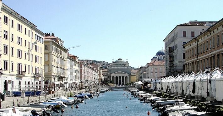 İtalya'da ki Trieste kentinden bir görüntü.