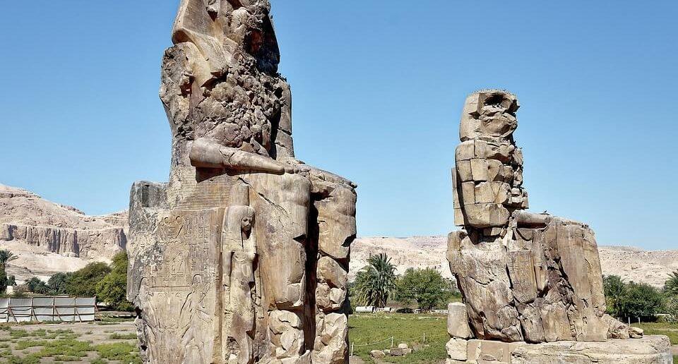 Memnon Anıtı