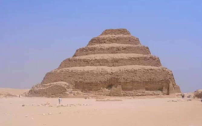Djoser Piramidi