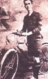 Cumhuriyet'in ilanından sonra Samsun'da düzenlenen 300 m sürat yarışı galibi Selahattin Bey