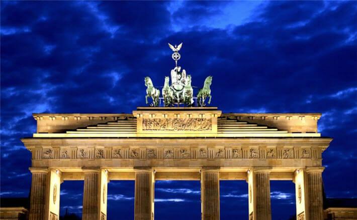 Berlin'de yer alan meşhur Brandenburg Kapısı