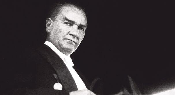 Atatürk'ü Etkileyen Yerli ve Yabancı Düşünürler