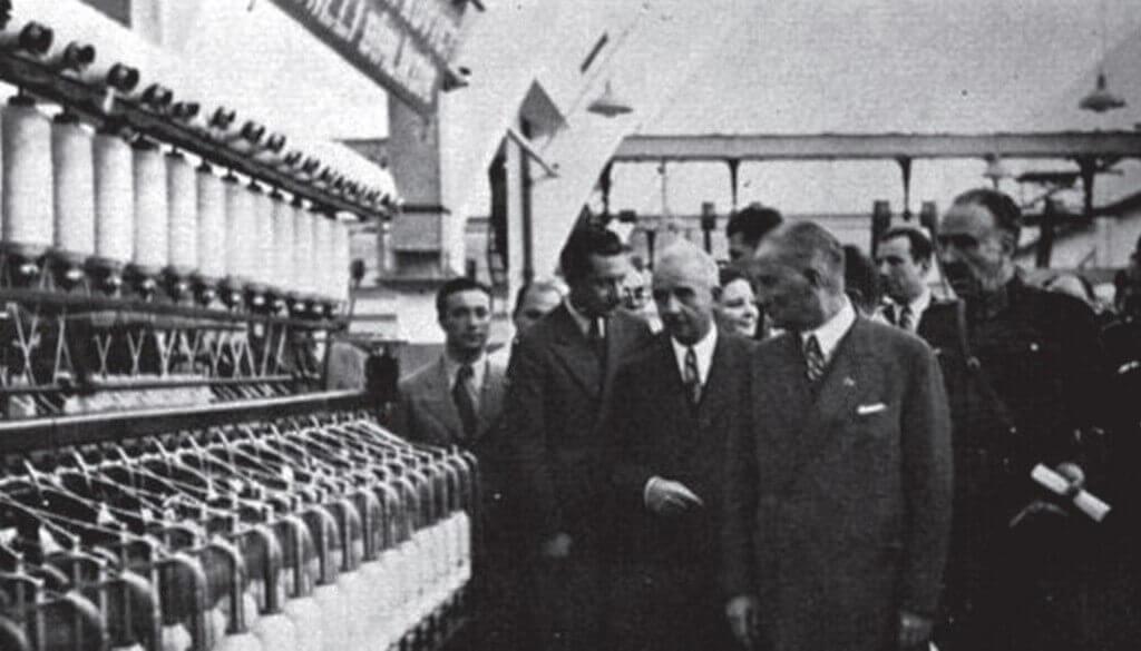 Atatürk ve Devletçilik İlkesi