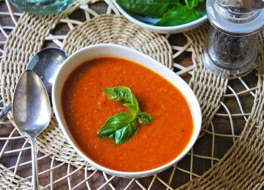 Fesleğenli Domates Çorbası Tarifi – Domates Çorbası Nasıl Yapılır?
