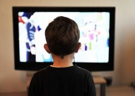Çocuğun Televizyon İzlemesi Zararlı mıdır? Varsa Zararları Nelerdir?