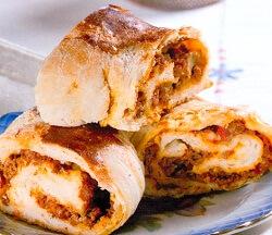 Ekmek Hamurundan Kıymalı Börek