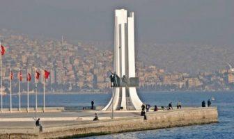 Atatürk, Annesi ve Kadın Hakları Anıtı