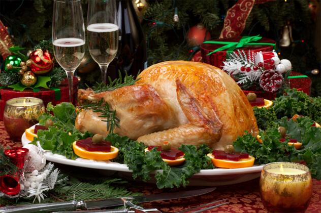 Alman ve Amerikan askerlerinin beraber yediği Noel yemeği