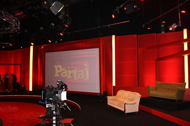 Yayın Öncesi Bir Televizyon Stüdyosundan Görüntü