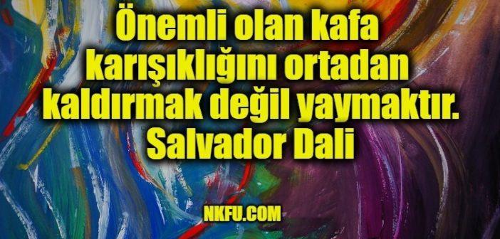 Sürrealist Ressam Salvador Dali'nin Kimi Akıllı Kimi Deli Sözleri