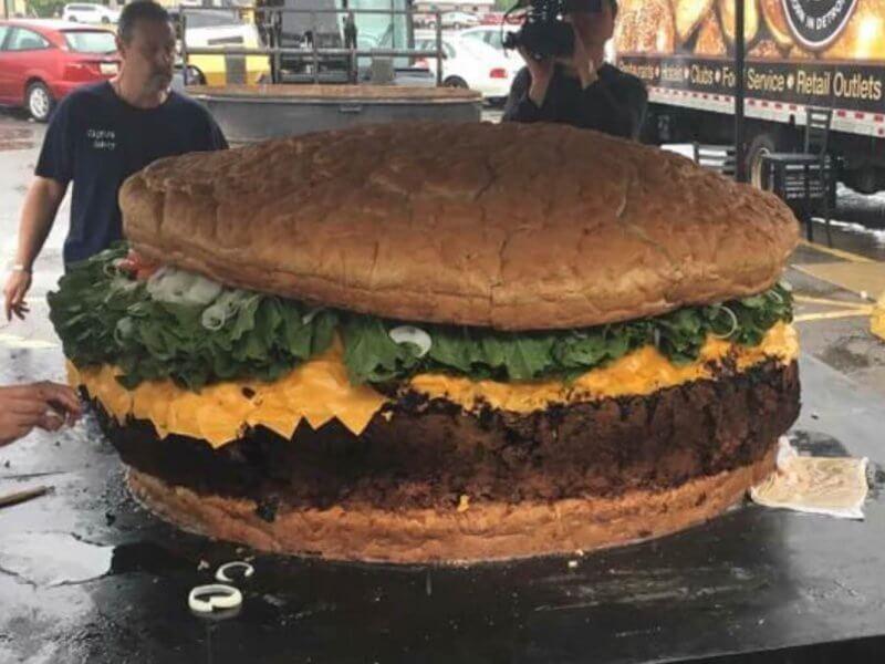 En Büyük Burger