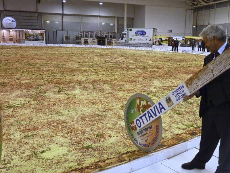 Glutensiz en büyük pizza
